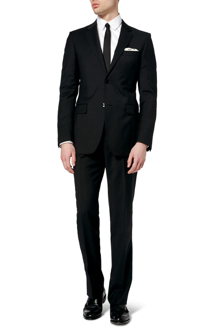 Funeral outfits what to wear at a funeral for men here for Black suit with black shirt and tie