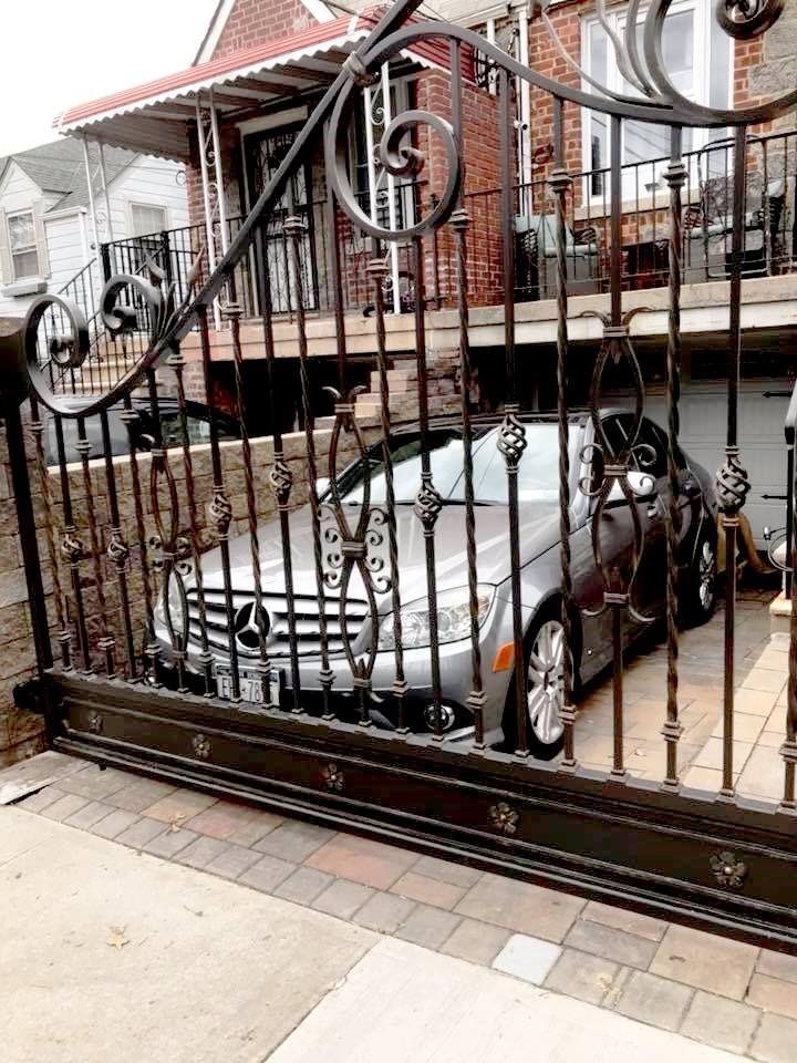 Decorative Wrought Iron Driveway Gate Pagar