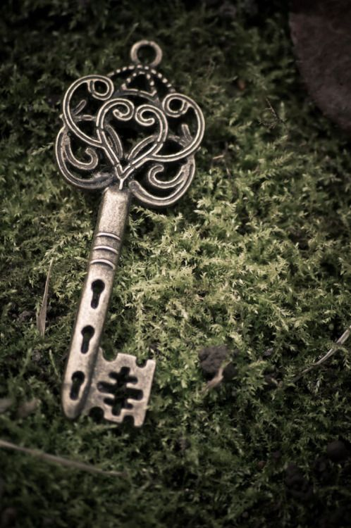 Keys & Locks: #Key.