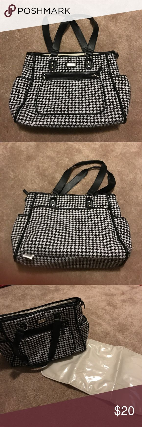 Carter's Black & White diaper bag with pad Fits so much stuff for you and baby! Tons of pockets. Great condition. Carter's Bags Baby Bags