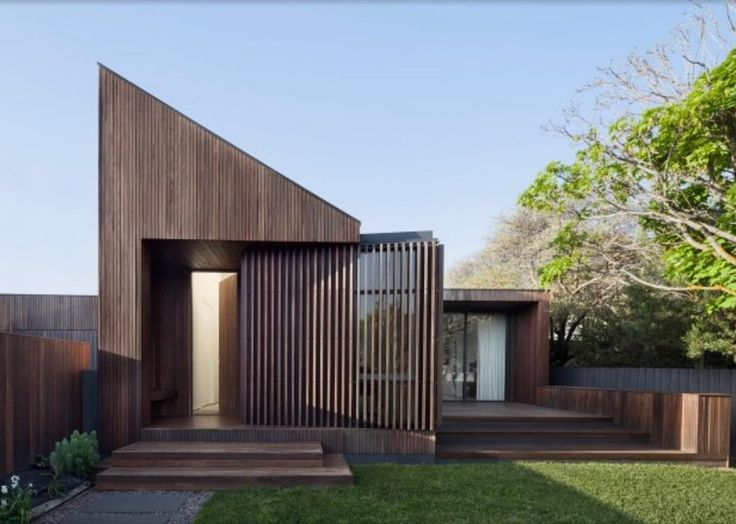 Humble House is a beautiful single level home located in Barwon Heads Victoria. This design by Coy Yiontis Architects @coyyiontis was a finalist in the New House over 200m2 category Houses Awards.  Photography credit: Tatjana Plitt @tatjanaplitt