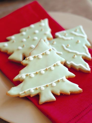simple and elegant Christmas tree cookies