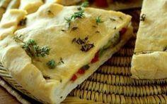 Νηστίσιμη πίτα σκεπαστή με ελιές και πιπεριές Φλωρίνης - iCookGreek