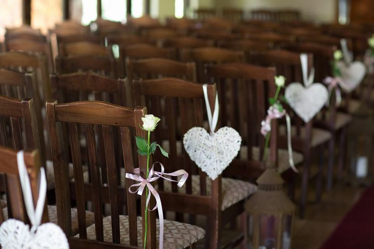 Our Chapel offers seating for upto 150. Simple and understated elegance.