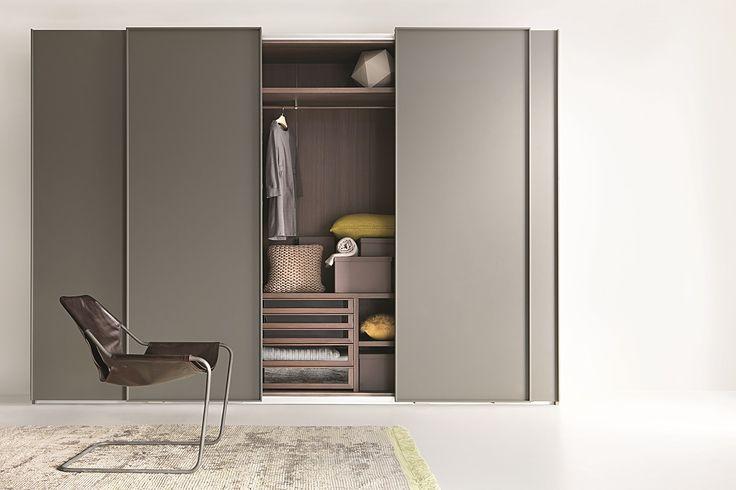 LISCIA Wardrobe with sliding doors by Lema design Officinadesign Lema