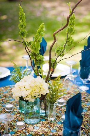 ADD diy <3 <3 www.customweddingprintables.com ... blue and green tablescape