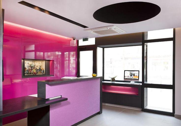 Unique artworks, modern design and intense colours in the *** Libertel Gare Du Nord Suede Hotel in Paris