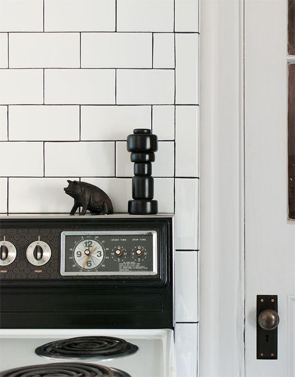 Via Manhattan Nest   Kitchen   Black White   Muuto Pepper Shaker