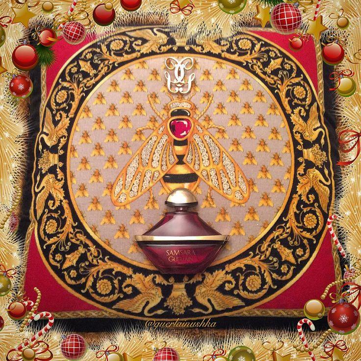 I've got this wonderful Gianni's period cushion from a model who worked for Versace house in 1980s. What an amazing touch of history!  Получила эту подушку  периода Джанни от модели, которая работала на модный дом Версаче в 1980-х годах. Словно прикоснулась к истории.  #versace #versacecushion #guerlain #samsara #fragrance #perfume #parfum #guerlainpin #bee #versacehome #love4versace #версаче #подушкаверсаче #версачеподушка #герлен #самсара #духи #парфюм #loveversace