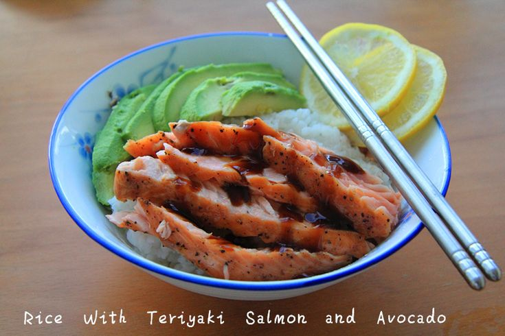 This is a follow-up post of the avocado recipe we posted last week.  We just don't want to stop with eggs. This time we combine avocado with salmon and they are just perfect. They are both rich in ...