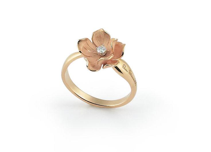 Dorothy Collection  Flower Gold ring with diamonds inspired nature // anillo flor de oro con diamantes inspirado en la naturaleza www.art-jeweller.com