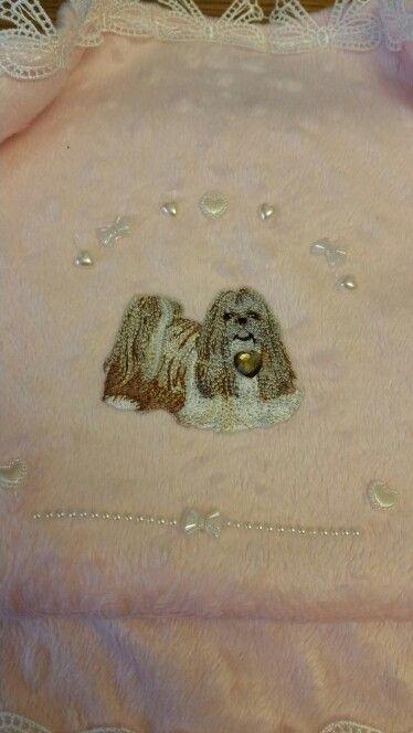 Shih tzu blanket with pearls