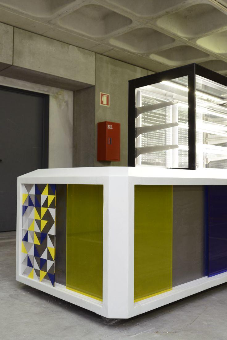 INDUSTRIAL, de Suricata Design Studio (Célia Santos, Manuel Soares e Tiago Cruz)