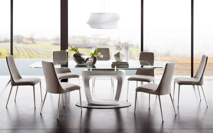 The Orbital dining table designed by Pininfarina. A piece of artwork in itself!