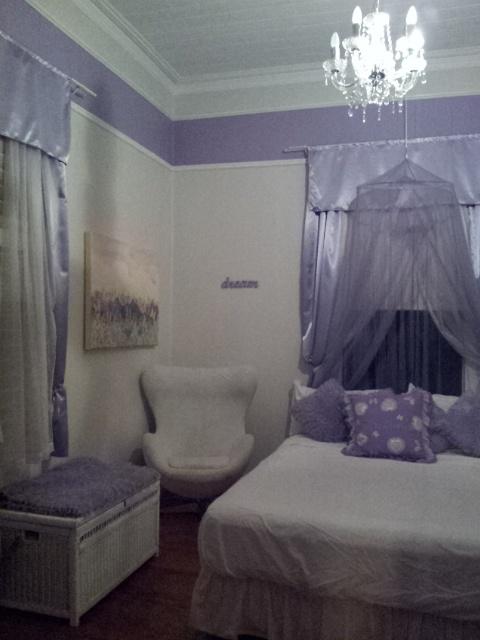 Queenslander home - Bedroom 3 - daughters room - lavender trim & accessories