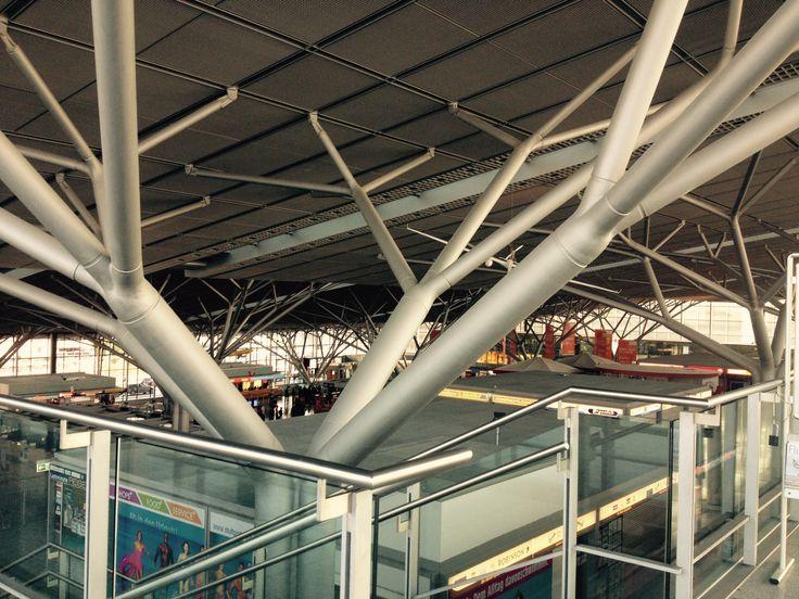 Airport stuttgart germany str architecture design for Stuttgart architecture