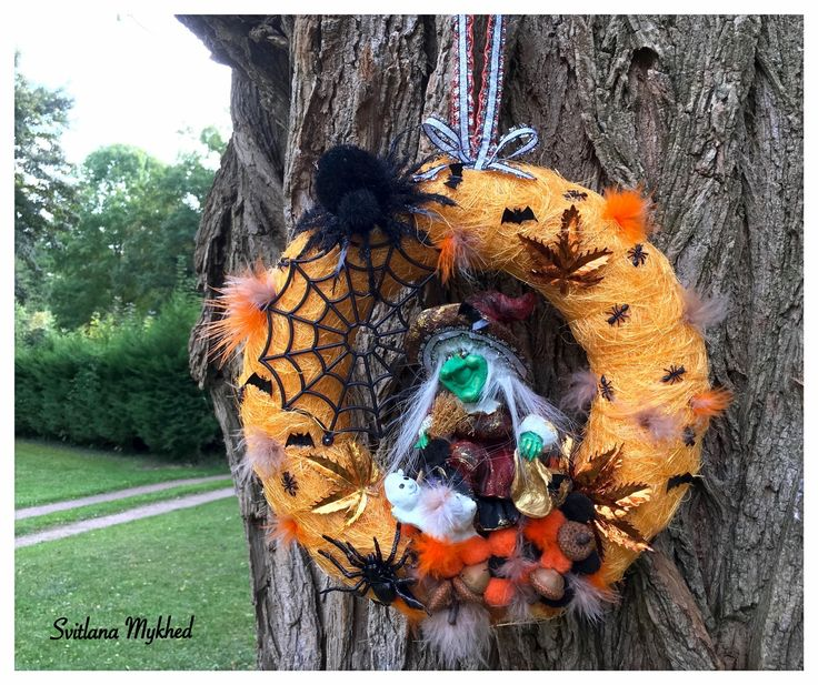 Couronne d corative halloween halloween sorci re for Decoration porte d entree halloween