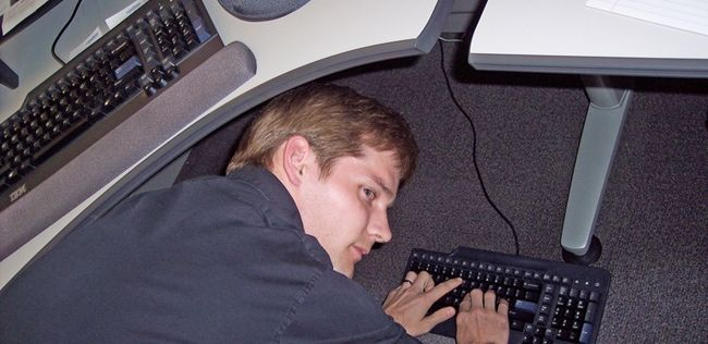 Plug a Wireless USB Mouse / Keyboard Into Their PC (the guy in this pic is awkward=funny)