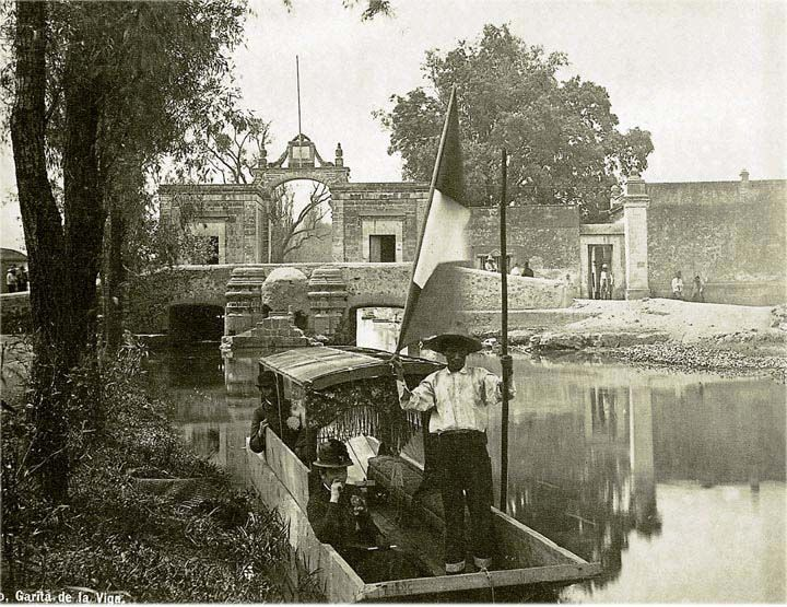 1885 Photograph from William Henry Jackson--note the gentleman sitting in the lower left of the boat