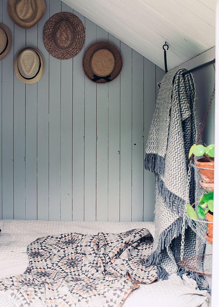 Hattsamling hemma hos Elin Lannsjö – foto Kristin Lagerqvist/Lovelylife – Husligheter