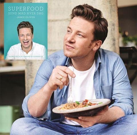 Jamie har været på kur og sætter i sin nye bog fuld fokus på sund og nærende - mad som nem at lave!