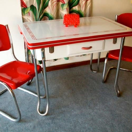 Loving this red and white kitchen table set!