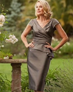 This is really classy! Love the style and the waist line, would love to see the back!