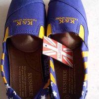 Sepatu Wakai warna ungu dan biru bintang