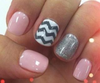 Pink and stripes nails