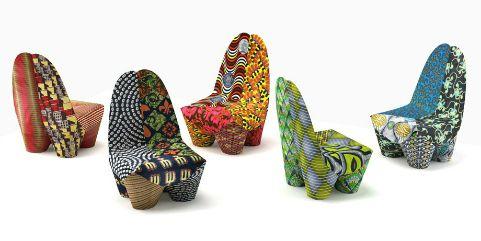 Wat een kracht staalt het uit! De stoffen onderstrepen de krachtige vrouwen die de batik stoffendragen, prachtig. We zien steeds meer batiks.De kleurrijke, soms cartoonachtige en verhalende dessinsduiken op in interieur en in de mode om ons heen. En het grappige is, de mooiste Afrikaanse stoffen komen uit Nederland! Het in 1846 opgerichte bedrijf Vlisco …