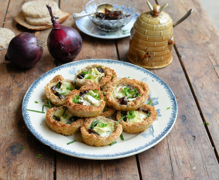 Follow this quick and easy recipe for tasty Brie tartlets with honey onion relish