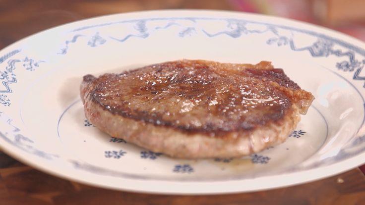 Nesta combinação juntamos sal grosso com a páprica doce, canela em pó e tomilho seco