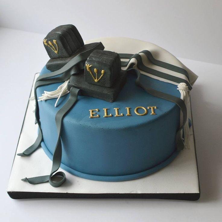Mazel tov Elliot!  #barmitzvah #tefillin #tallit #fondant #customcakes #cakestagram #kosher #sweet