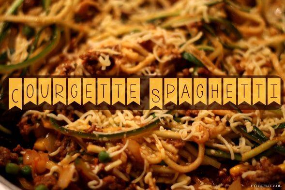 Vijf woorden Ik. Ben. Dol. Op. Pasta.  – Ook al zit ik vol, ik kan het eindeloos dooreten. Dit is dé perfecte manier om door te eten zonder schuldgevoel, sterker nog; het is alleen maar beter voor je aangezien de pasta vervangen wordt door courgette! Groente! Wat is het geheim? DeJulienne peeler!Ik heb deze …