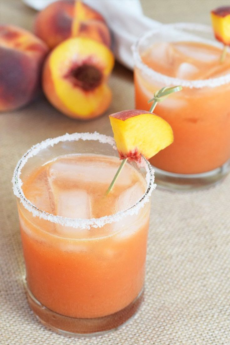 Fresh Peach Margarita recipe to celebrate Cinco De Mayo or to sip on pool side this summer!