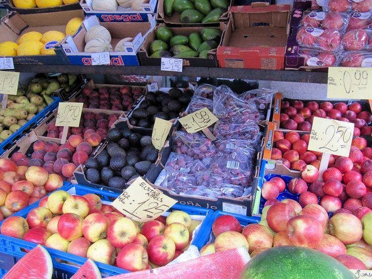 'Is veganistisch eten niet heel duur?', vroeg laatst een meisje aan mij. Toen ik begon met plantaardig eten, dacht ik dat mijn boodschappen een stuk duurder zouden uitvallen. Inmiddels kan ik met zekerheid zeggen dat dat niet het geval is. Sterker nog, ik bespaar geld. Kijk maar eens naar jouw kassabon: de grootste uitgaven zijn…