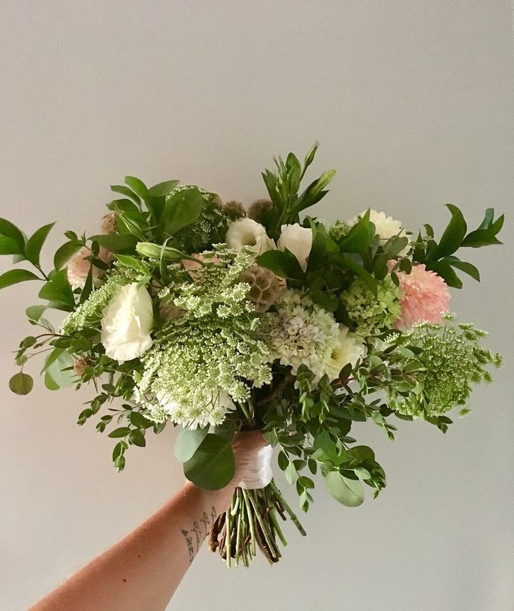 CBR474 wedding Riviera Maya  assorted greenery and white and pink flowers bouquet/ ramo de novia con follaje y flores rosas y blancas