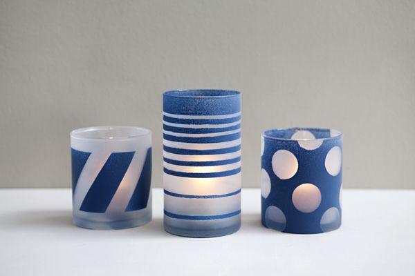 Decorar frascos de vidro pode fazer você ganhar uma diferenciada luminária para decorar a sua casa ou para presentear um ente querido.