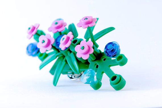 LEGO® boutonniere for prom ~ Prom flowers for guys ~ Prom boutonniere ~ Rose boutonniere ~ White Boutonniere flowers ~ Flower boutonniere ~ Exclusively at http://BrickAndButton.etsy.com