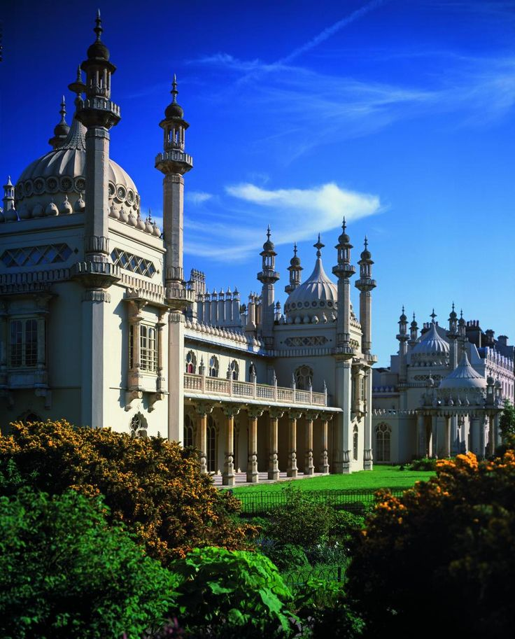 The Royal Pavilion, Brighton, England. My favourite place on earth as its just as eclectic as me :)