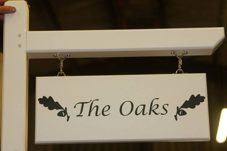 These posts with arm for hanging signs can be made with oak or softwood and are ideal for hanging signs. Quality signs from the Online Sign Maker.