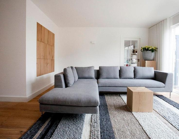 Een mooi project van Jolanda Knook, gerealiseerd door de Huisgenoten in Breda. Op de vloer een Structures kleed van Perletta. Kijk op www.dehuisgenoten.com voor meer informatie over dit project.