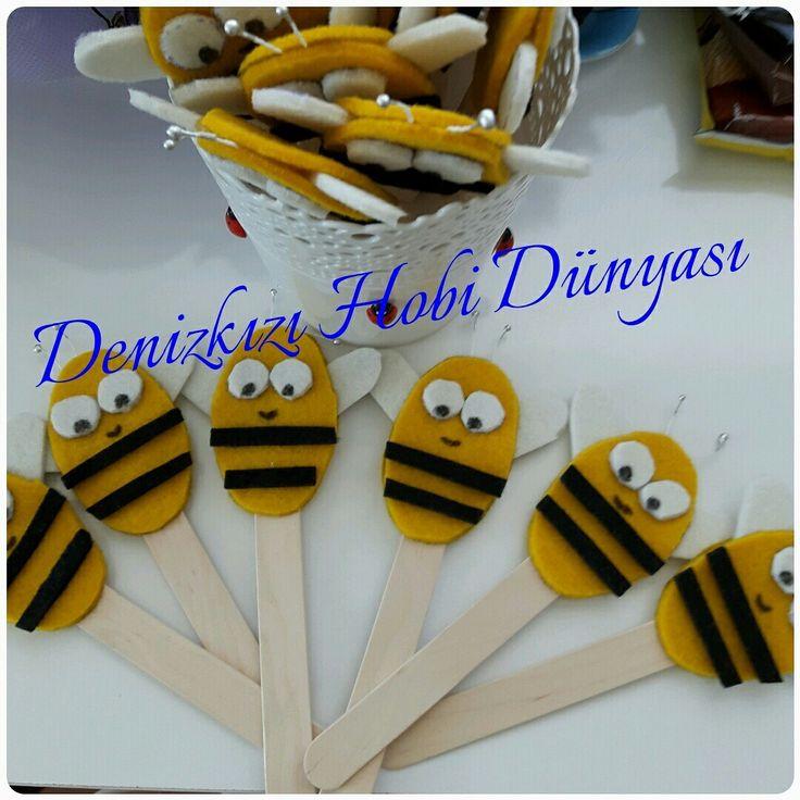 Çalışkan arılar sınıfı okuma bayramı için hazırlanan kitap araçları