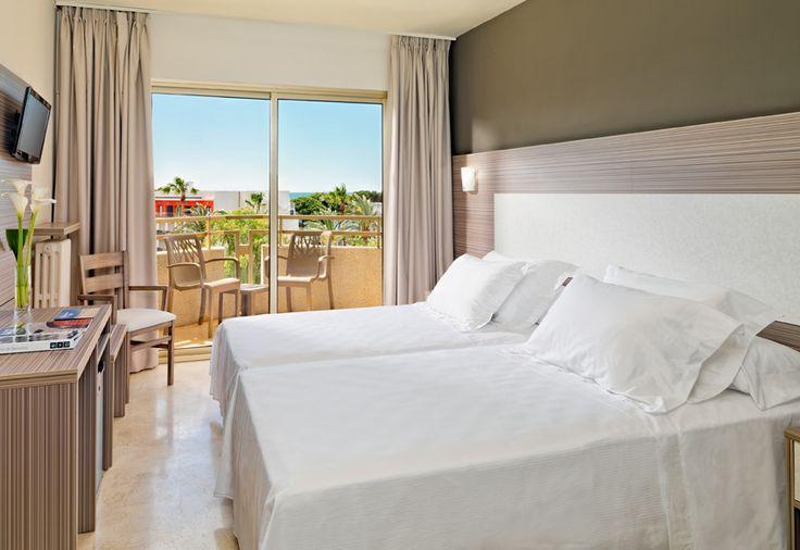 Habitación Doble / Double Room  #h10cambrilsplaya #cambrilsplaya #h10hotels #h10 #cambrils