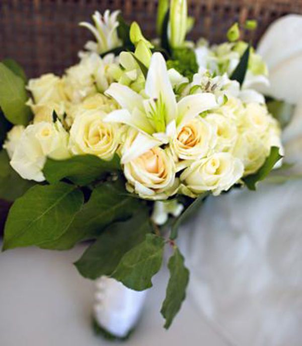 Bridal Bouquets and Wedding Flowers: Bouquet with white roses
