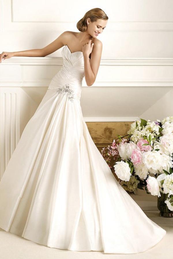 Best Pronovias Wedding Dresses Slim Fit Satin Style Dorothy