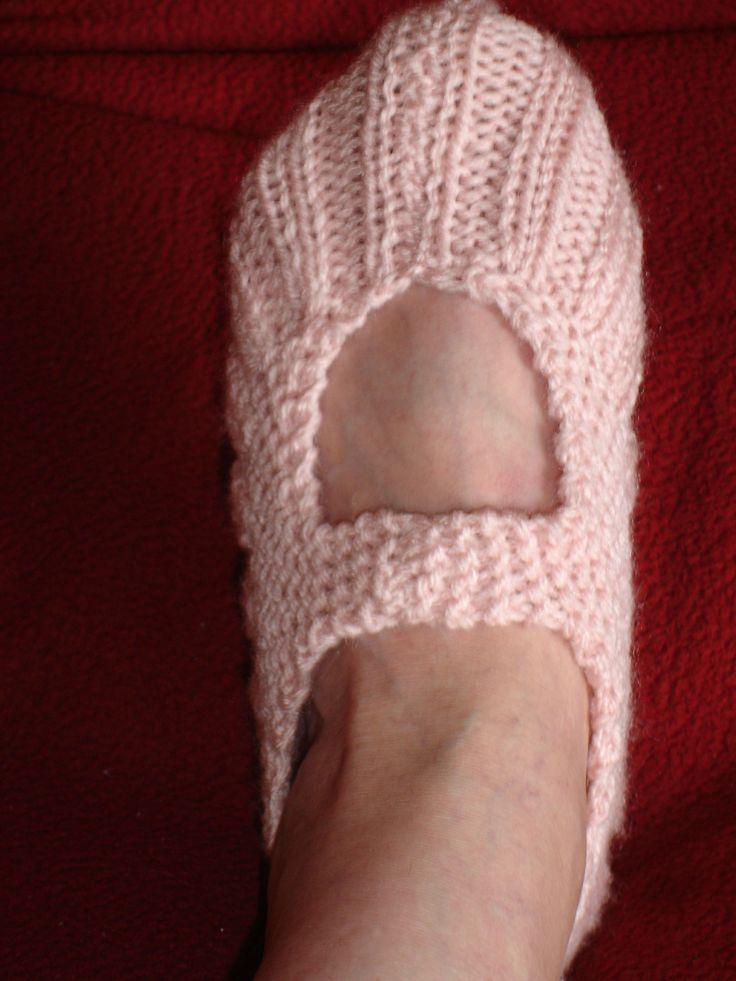 Les 52 meilleures images du tableau chaussons tricot et crochet sur pinterest - Comment tricoter des chaussettes en laine ...