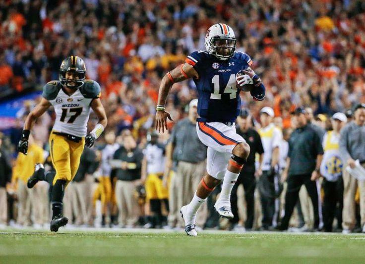 Auburn quarterback Nick Marshall
