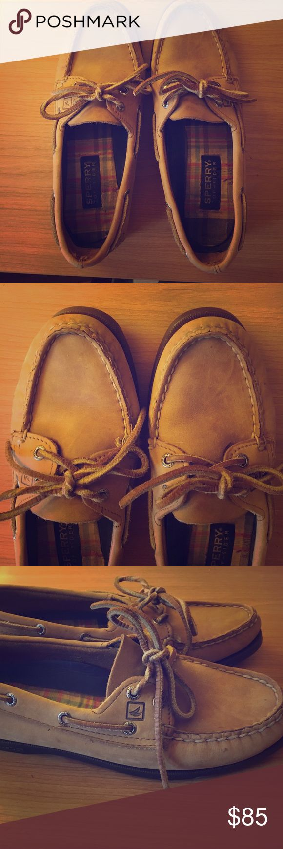 Size 7.5 Genuine Leather Sperry Boat Shoes Size 7.5 Genuine Leather Sperry Boat Shoes. Worn a hand full of times in great condition Sperry Top-Sider Shoes Flats & Loafers