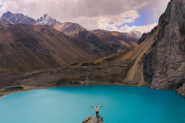 Waywash Mountain range, Huánuco, Peru — by FronterasImaginarias. No te vas arrepentir de todo lo bello que veras !!!